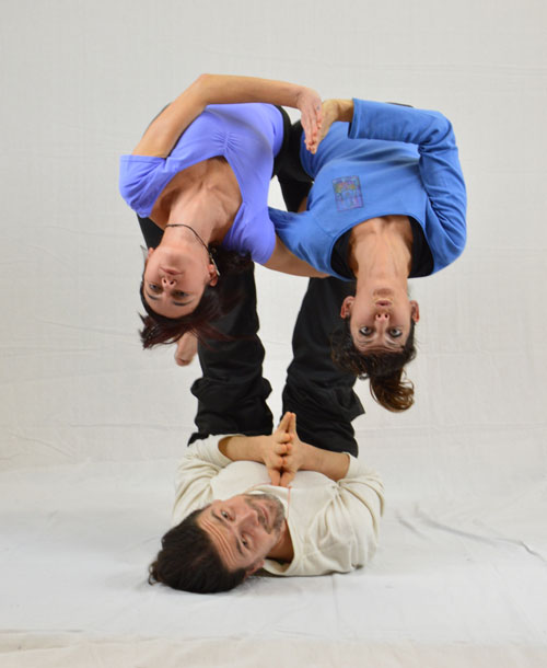 AcroYoga-siamese-sisters