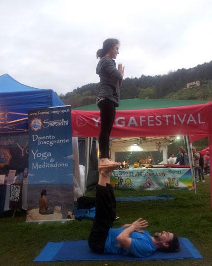 acroyoga-veganfest2